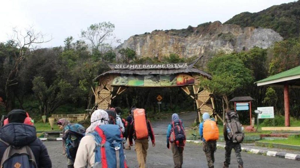 Mumpung Weekend, Mendaki Gunung Papandayan Yuk!