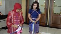 Jejak Tin: Digeledah KPK, Buang Duit ke WC, Jadi Staf Ahli Menteri