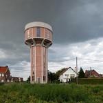 Mirip Markas Jagoan Super, Rumah Ini Dibangun dari Bekas Menara Air