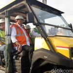 Pantau Langsung LRT Palembang, Menhub Jajal Lintasan Pakai Lori