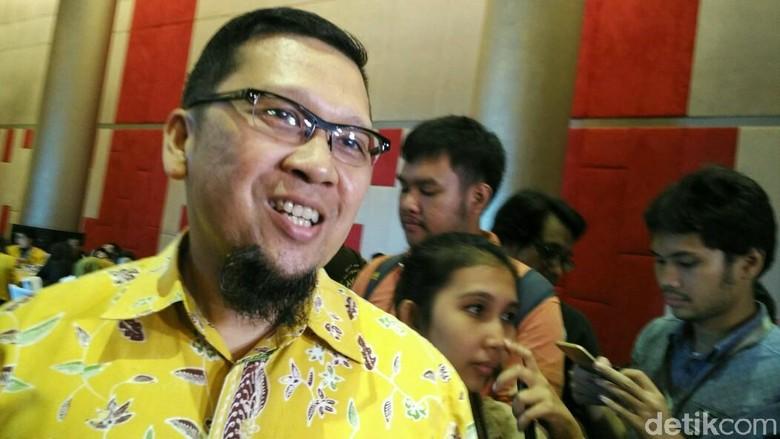 Akbar hingga Yorrys Hadiri Saresehan - Jakarta Gerakan Muda Partai Golkar yang diketuai Ahmad Doli Kurnia mengadakan saresehan nasional membahas pembaruan Partai Para tokoh