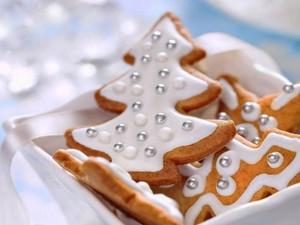 Butiran Berwarna Perak Untuk Hiasan Kue Ternyata Tak Aman Konsumsi
