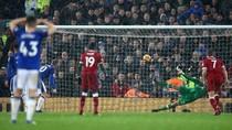 Ada Peran Lovren di Balik Dinginnya Eksekusi Penalti Rooney