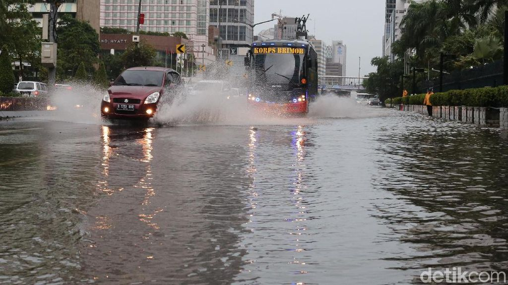 Jamin Bebas Pemadaman, PLN: Tak Ada Gardu Terendam Banjir