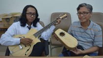 Mahasiswa ITS Buat Gitar Berbahan Bambu, Ini Keunggulannya