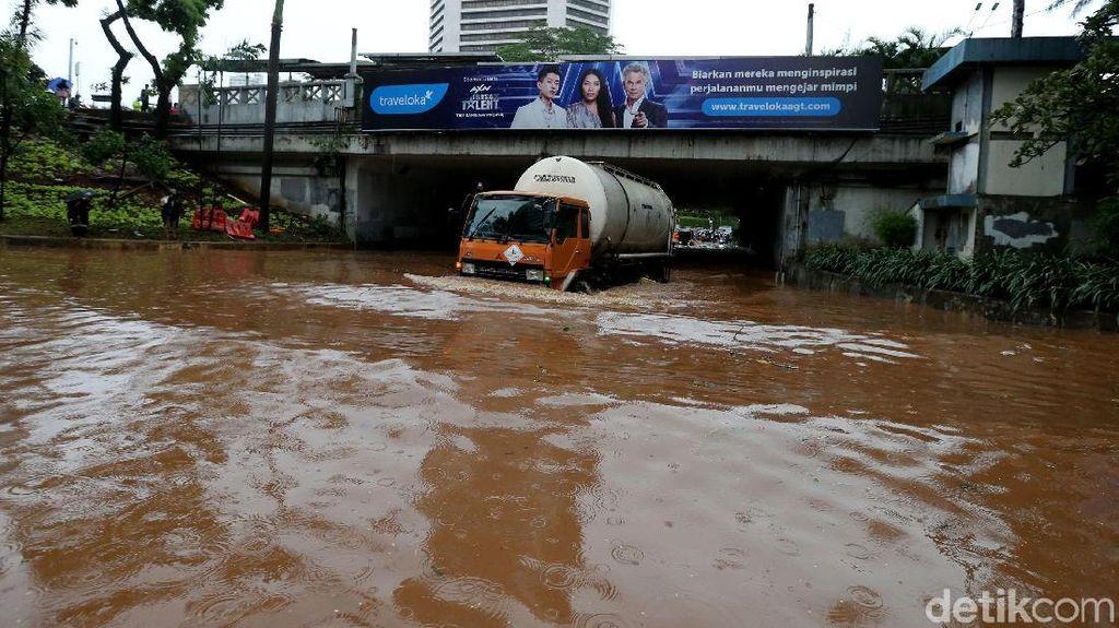 Cerita Horor Hujan Ekstrem di Jakarta
