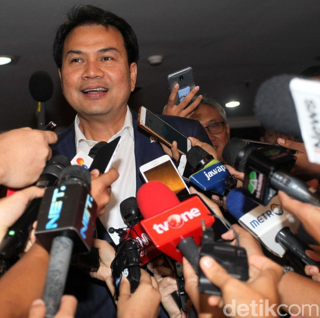 Aziz Syamsuddin: Setya Novanto Mundur, Kursi Ketua DPR Kosong