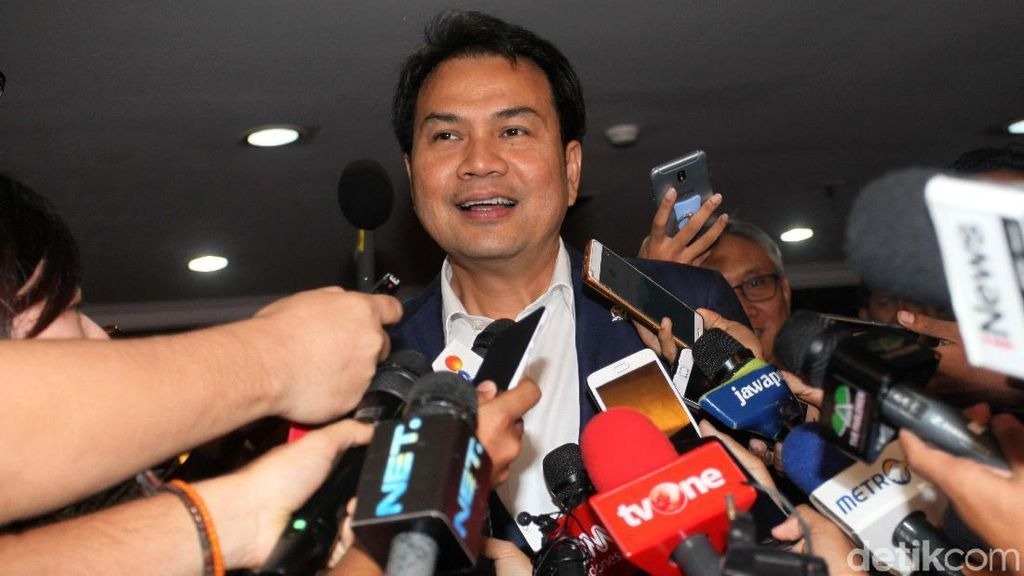 Ditolak Jadi Ketua DPR, Aziz Siap Rebut Kursi Ketum Golkar
