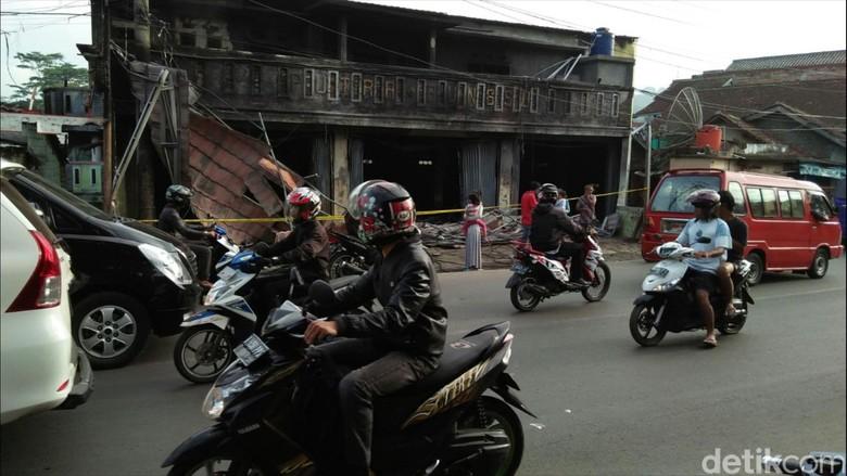 Polisi Selidik Penyebab Kebakaran Toko Kelontong di Sukabumi