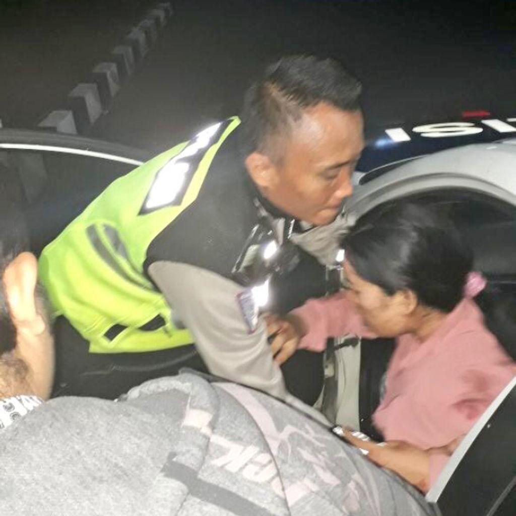 Ada Kecelakaan di Tol Cawang, Korban Luka Dievakuasi ke RS UKI