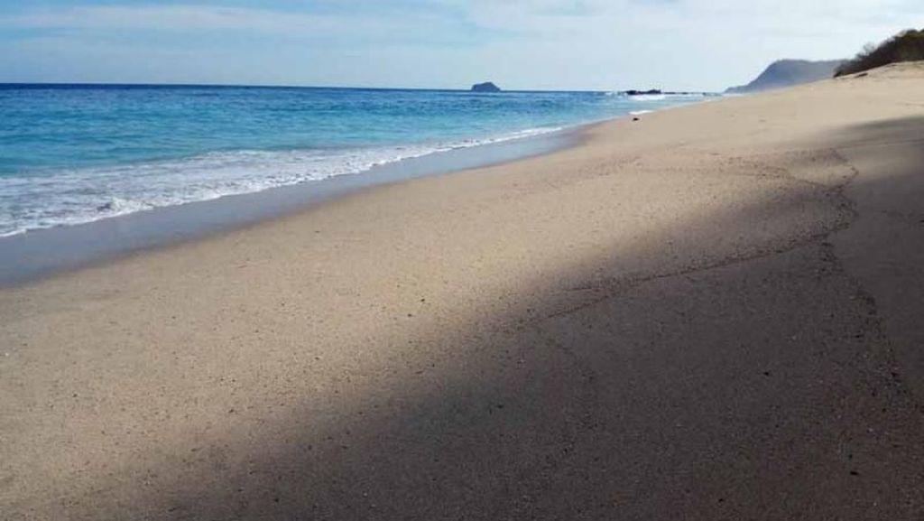 Ajaib! Pantai di Lembata Ini Bisa Berubah-ubah