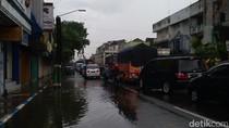 Banjir di Raya Bangil Surut, Lalin di Pasuruan Masih Macet