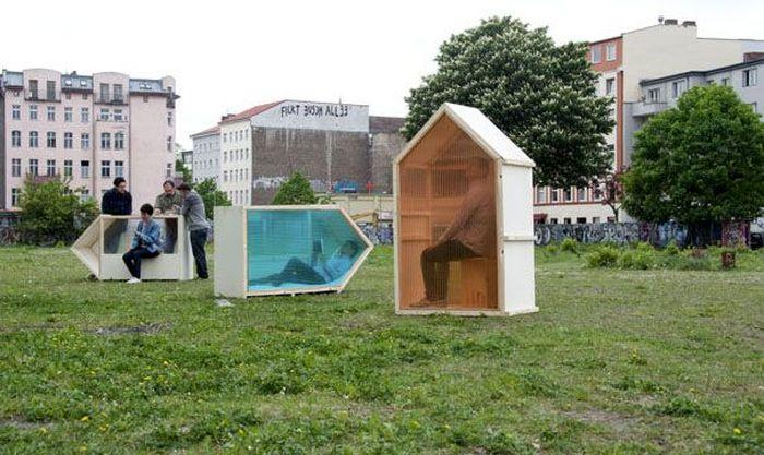 Arsitek asal Berlin, Van Bo Le-Mentzel dan pendiri Hartz IV Mobel berhasil menciptakan One-Sqm-House. Istimewa/Bored Panda.