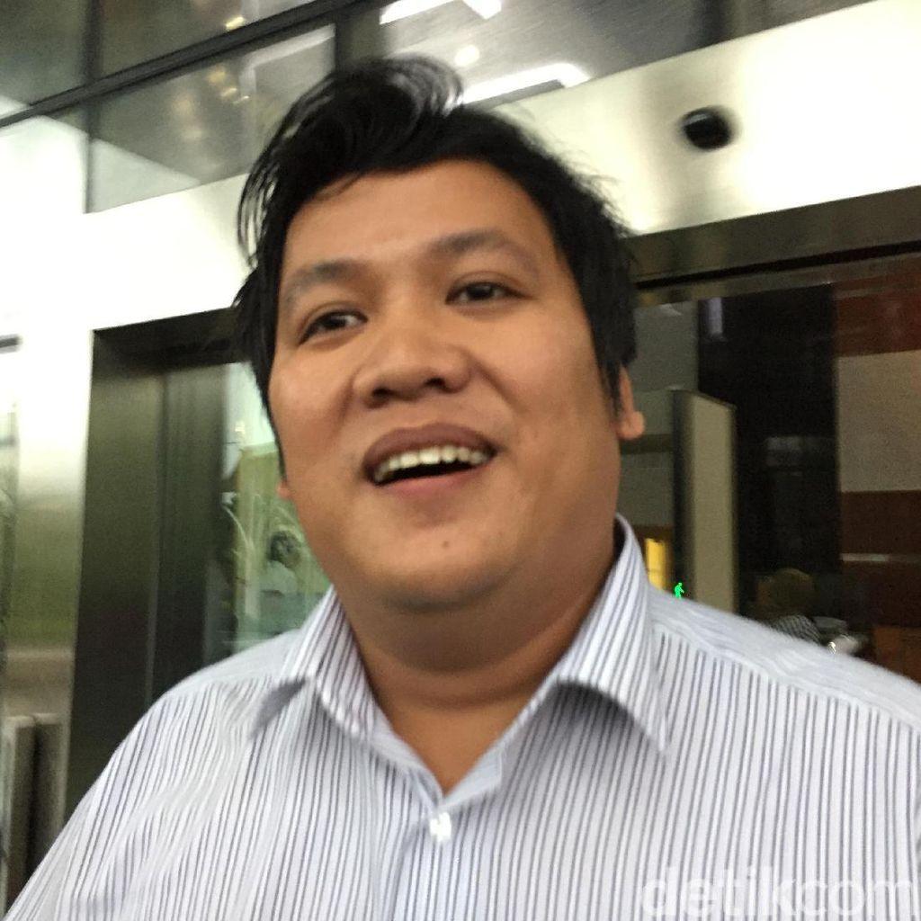Senyum Hilman Mattauch yang Sopiri Novanto Usai Diperiksa KPK