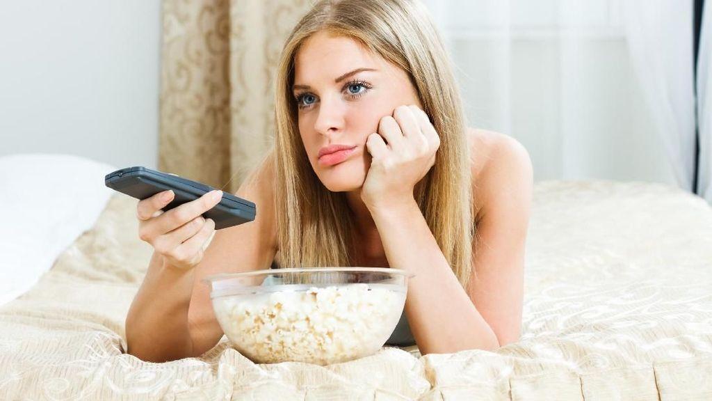 Survei: 34 Persen Orang Indonesia Pilih Nonton TV Saat Stres