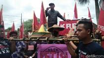 Ada Tumpeng di Hari Anti Korupsi Blitar