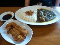 Enaknya Makan Nasi Hangat dengan Paduan Chicken Katsu Gurih di Sini