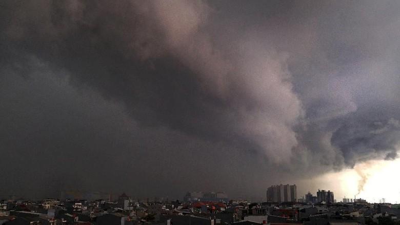 Sebagian Wilayah Jabodetabek Akan Diguyur Hujan Ringan Hari Ini
