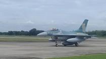4 Pesawat F16 C dari Guam Mendarat di Lanud Iswahjudi