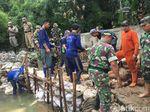 Tanggul Jebol Kali Pulo yang Bikin Jatipadang Banjir Diperbaiki