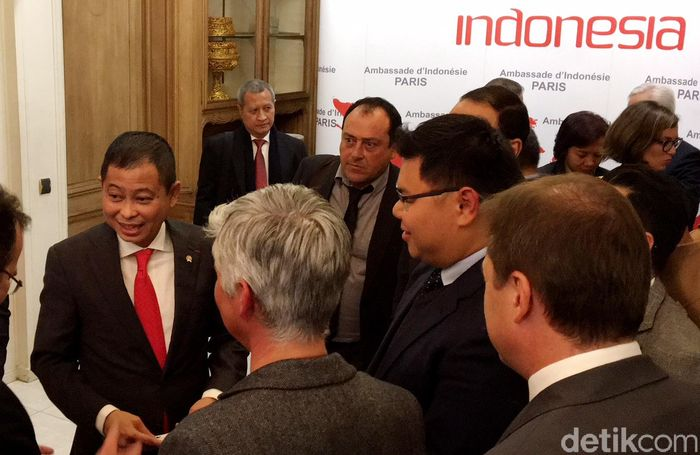 Acara penandatanganan kerja sama dilakukan di sela-sela acara Renewable Energy Companies Commited to Climate, dalam rangkaian One Plannet Summit, di Kedutaan Besar Indonesia di Paris, Senin (11/12/2017).