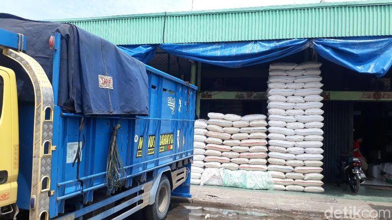 Dijamin Aman, Stok Beras di Cipinang Lebih dari 30.000 Ton