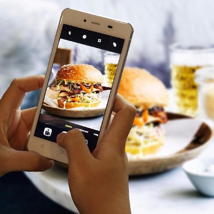 Ilustrasi fotografi ponsel menggunakan Prime 7. Foto: Polytron