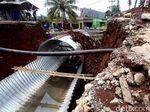 Perbaikan Jembatan Ambles di Catayam Terus Dikebut