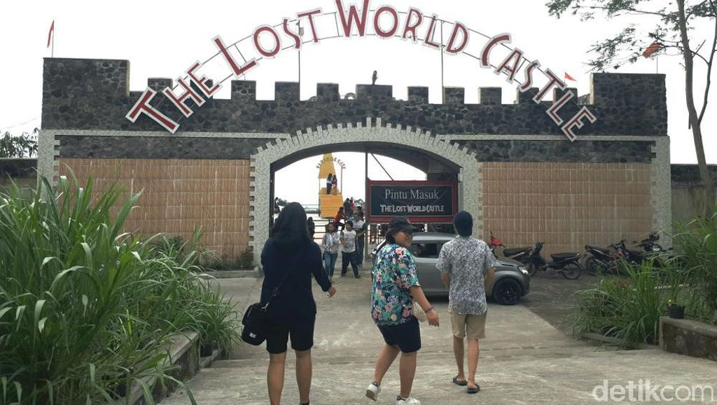 The Lost World Castle, Kastil ala Yogyakarta