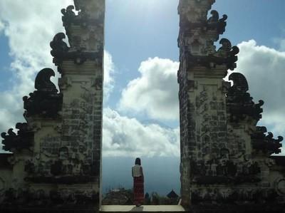 Pintu Surga di Pura Tertua Bali