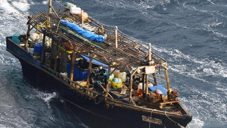 8 Jasad Membusuk Ditemukan di 'Kapal Hantu' yang Hanyut ke Jepang