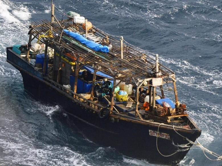 Usai Diselamatkan Nelayan Korut Akan - Tokyo dari nelayan asal Korea Utara yang diselamatkan oleh patroli pantai akan dideportasi ke negara Pemulangan ini memicu