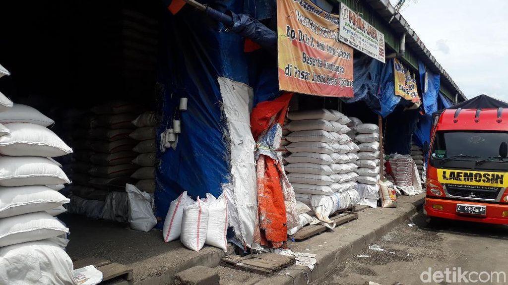 Musim Hujan Tiba, Pedagang Cipinang: Harga Beras Sesuai HET