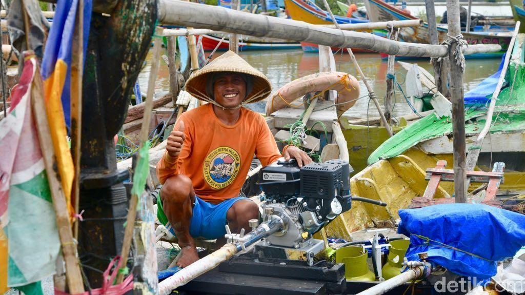 Nelayan Cirebon Dapat Tambahan Bantuan 100 Konverter Kit