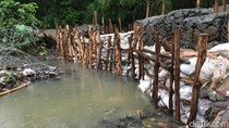 Posisi Tanggul Darurat Diperbaiki, Rembesan Air Kali Pulo Berhenti