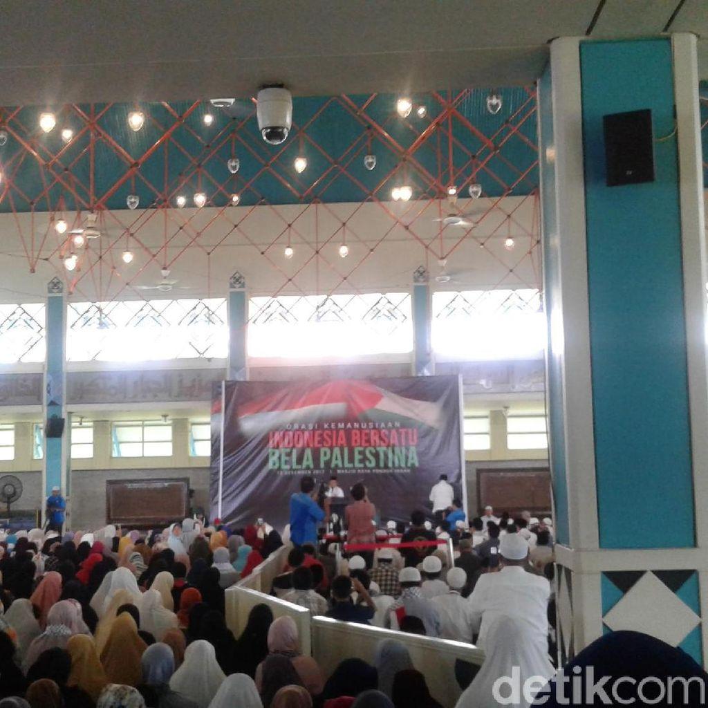Bachtiar Nasir dan Felix Siauw Orasi Bela Palestina di Masjid PI