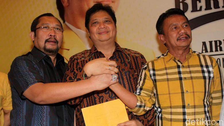Survei Airlangga Juga Diinginkan Masyarakat - Jakarta Selain disepakati oleh DPD penetapan Menteri Perindustrian Airlangga Hartarto sebagai Ketum Golkar ternyata juga menjadi harapan Hal