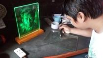 Melihat Karya Lukisan Kaca dari Kabupaten Semarang
