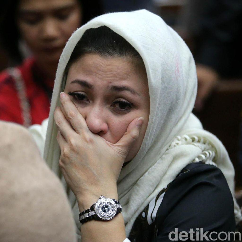 Foto: Ekspresi Istri Novanto di Pengadilan Tipikor