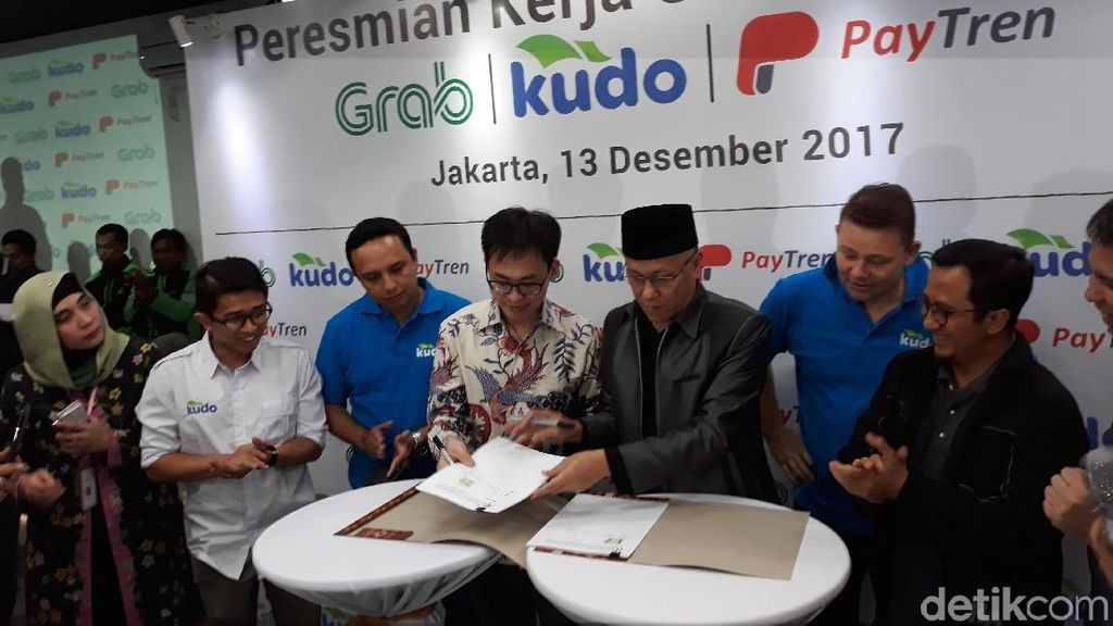 Grab Gaet Layanan Fintech Milik Ustadz Yusuf Mansur