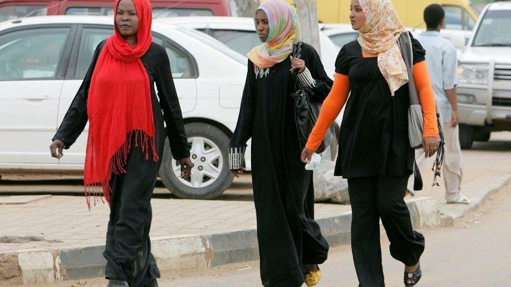 Pakai Celana Panjang di Pesta, 24 Perempuan Sudan Ditangkap