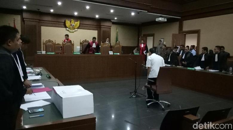 Gerak dan Siasat Novanto di Kasus Korupsi e-KTP