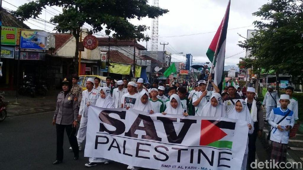 Aliansi Ormas Islam Sukabumi Aksi Damai Save Palestina