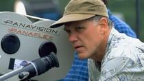 Joe Johnston Jadi Sutradara di Syuting Ulang The Nutcracker & the Four Realms