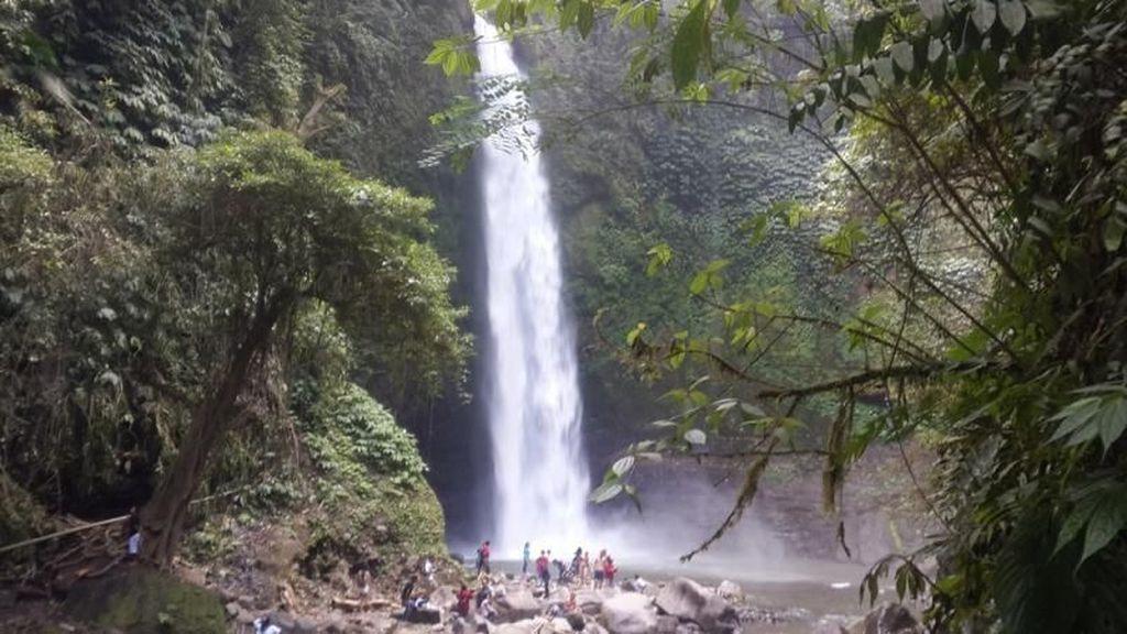 Air Terjun Cantik Ini Ada di Bali
