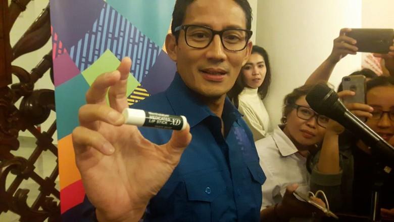 Sandiaga Ungkap Cerita di Balik 1,5 Bulan Pakai Pelembap Bibir