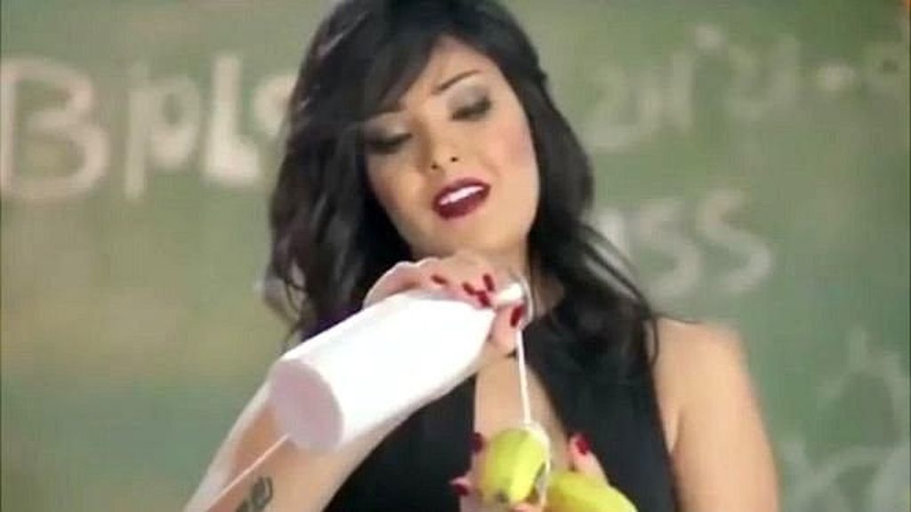 Video Musiknya Dianggap Cabul, Penyanyi Perempuan Mesir Dibui