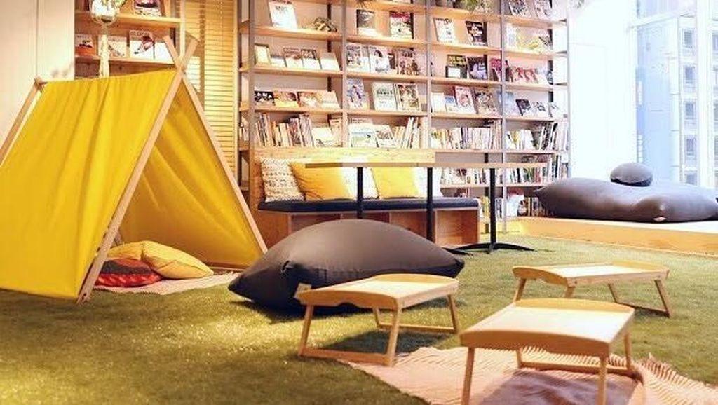 Foto: Bukan Minimarket, Ini Toko Buku 24 Jam