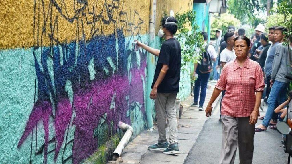 Street Dealin 11 Ajak 25 Seniman Grafiti untuk Gambar di Kampung