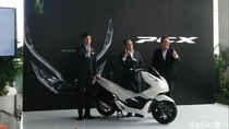 Lebih Murah dari Versi CBU, Honda PCX Fiturnya Lebih Ciamik